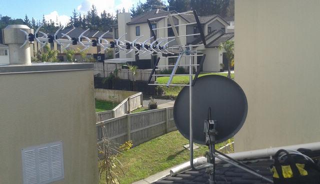 northcross-uhf-aerial-installation.jpg