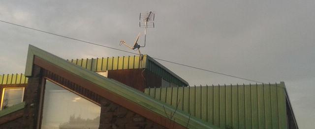 glenfield-aerial-on-dish-instalaltion