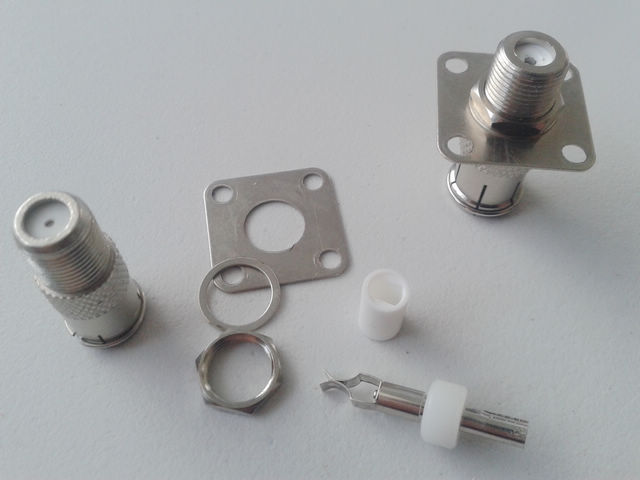 wall-plate-femal-to-pal-famel-connector