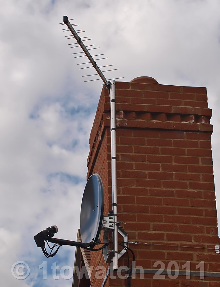 Antenna Install On Ceramic Terracotta Tiled Roof | Freeview UHF TV